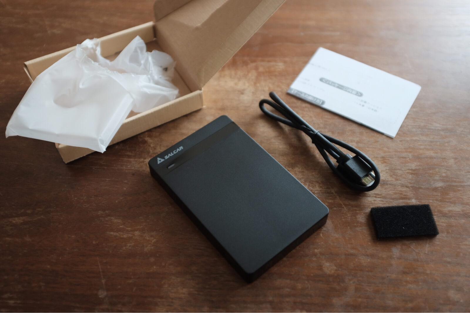 SSDのケースを開封した状態